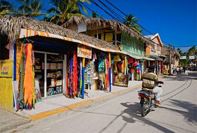 Первое, что бросается в глаза по приезду, это бедность местного населения.  Качество жизни в Доминикане.